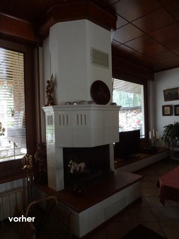 Wohnzimmer Kamin vor Umgestaltung weiss zwischen Boden und Zimmerdecke in braun
