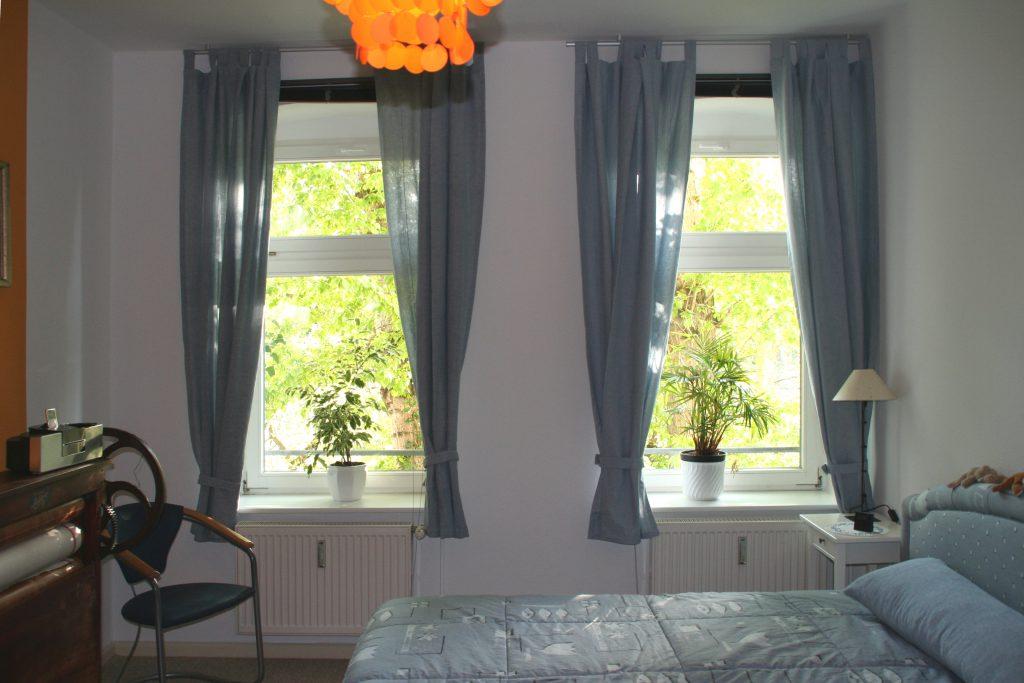 Schlafzimmer Raumaufteilung nach Umgestaltung Bett rechts