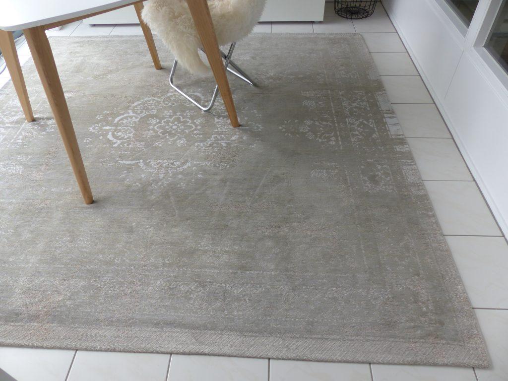 Arbeitsraum Blick 13 nachher mit Detail Teppich
