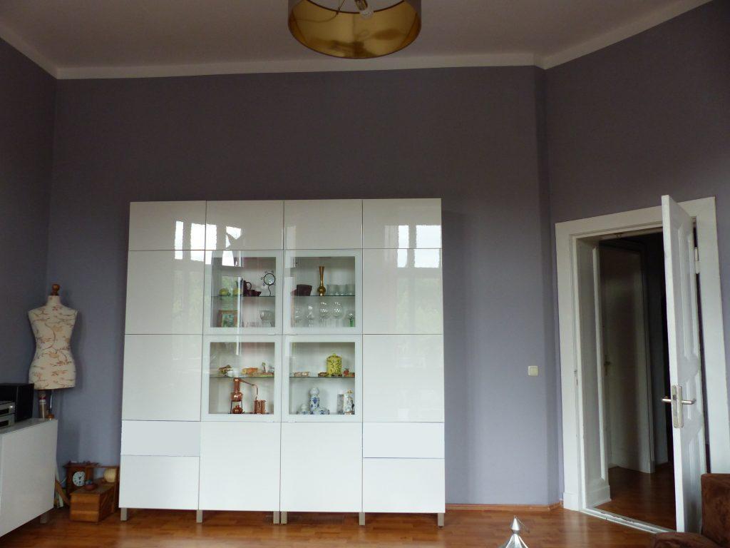 Wohnzimmer Blick 4 nachher mit weissem Wohnzimmerschrank