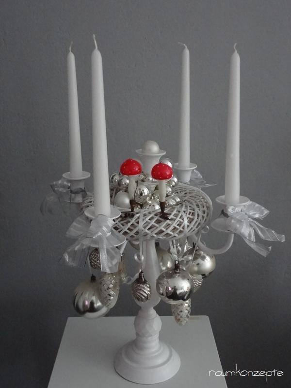 kerzenleuchter mit weihnachtsdeko raumkonzepte. Black Bedroom Furniture Sets. Home Design Ideas