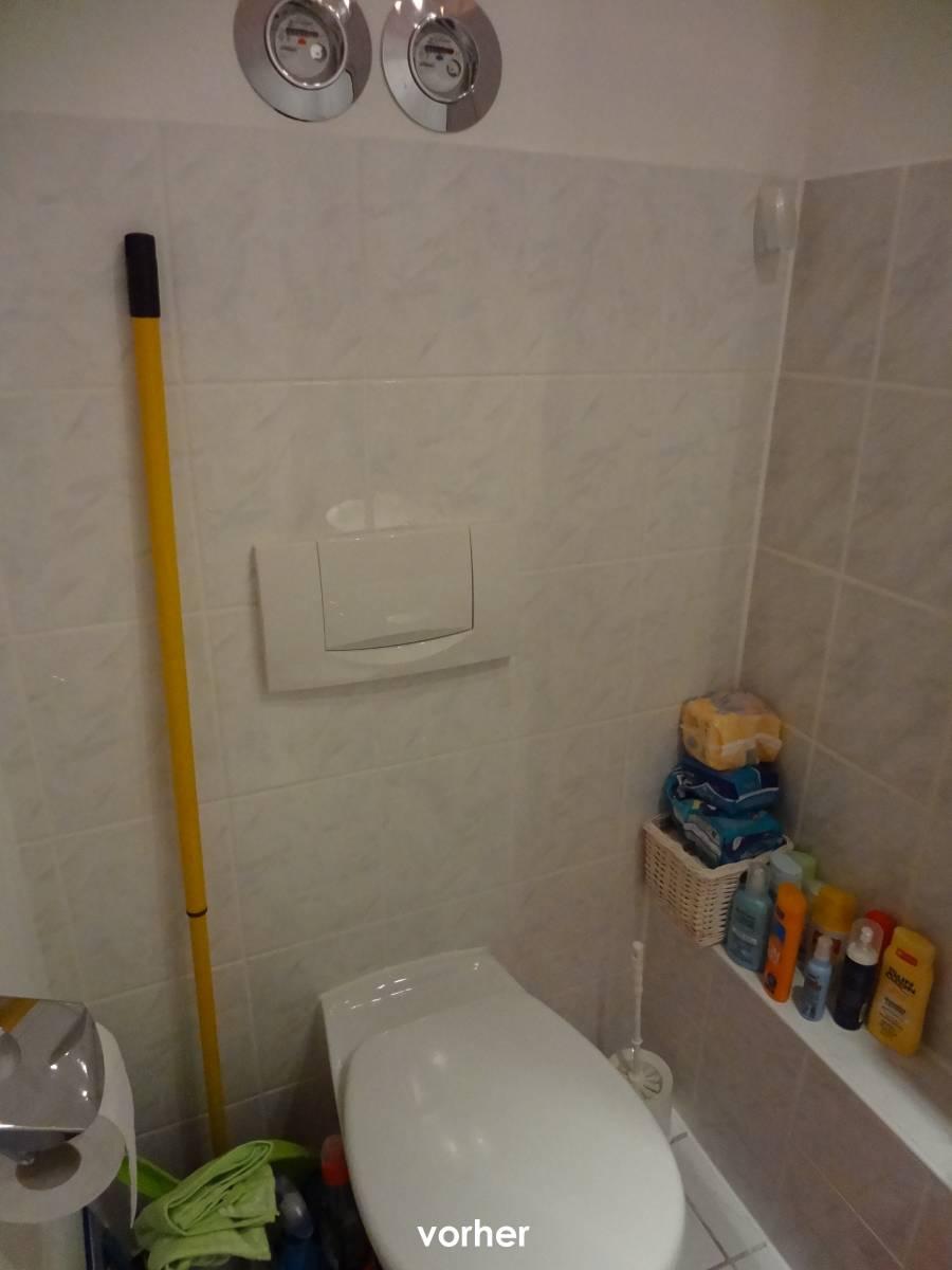 Schön Sehr Kleines Gäste Wc Gestalten Foto Von Gaeste-wc Links Vorher Mit Diversen Toilettenutensilien